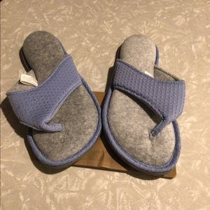 Dearfoam memory foam women's blue/gray slippers